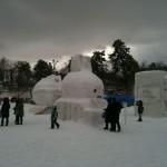 雪で作ったキャラクターたち