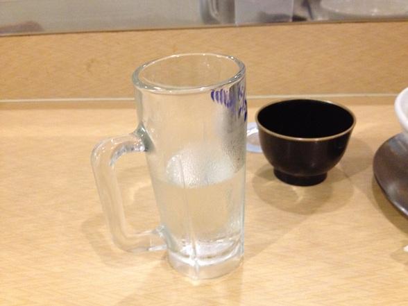 麺房 十兵衛 ジョッキの水